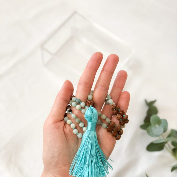 Yoga Mala handgeknüpft aus Amazonit